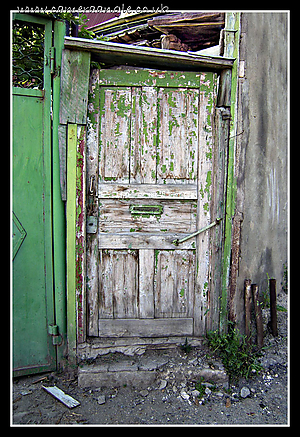 Tbilisi_Georgia_Door.jpg